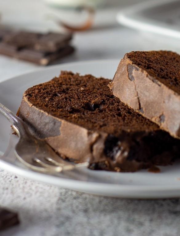 Gewürzkuchen mit Schokolade und Zimtglasur