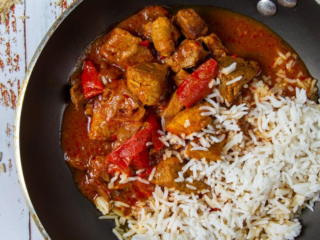 Schaschlikpfanne mit Reis