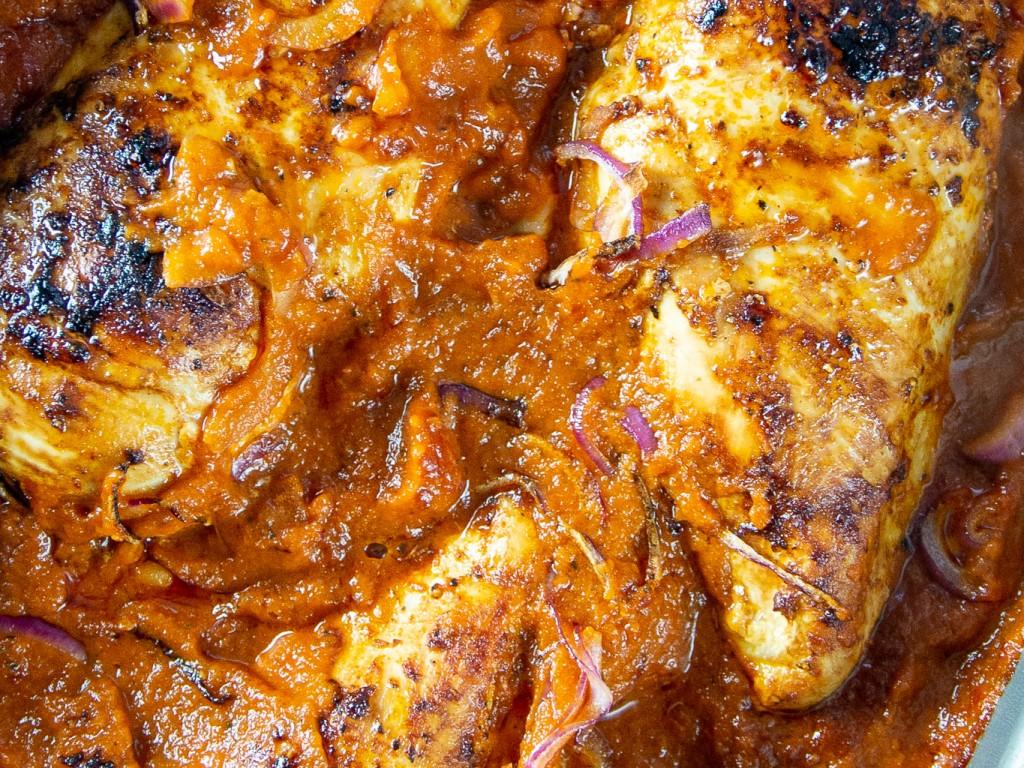 Ofenhähnchen mit Tomaten Sugo