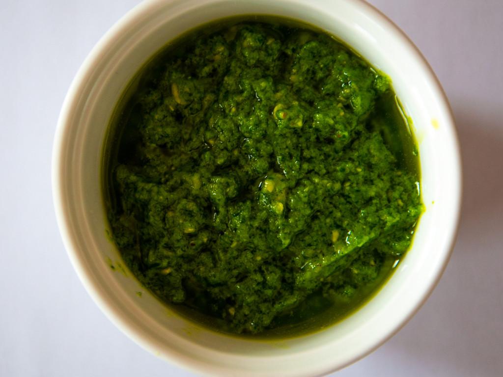 Basilikum-Rucola Pesto